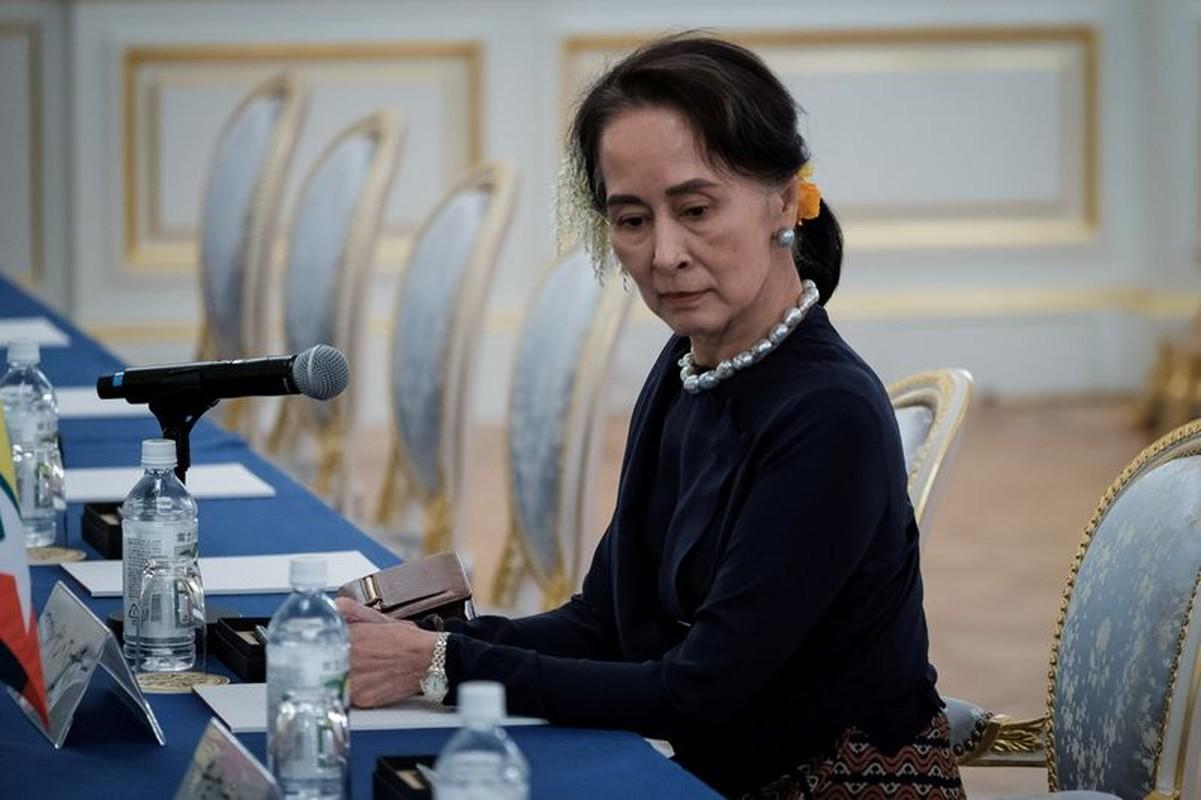 Hai thang hau bien co chinh tri, ba San Suu Kyi gio ra sao?-Hinh-6