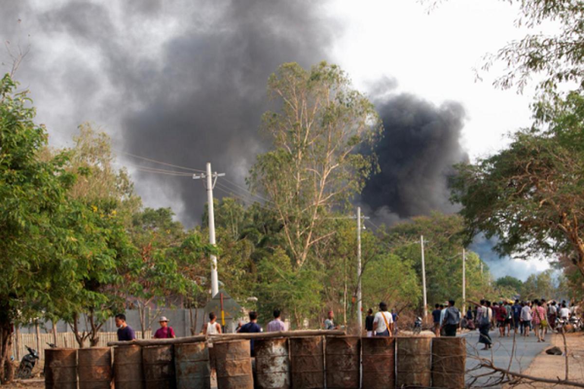 Bieu tinh o Myanmar: Them 82 nguoi thiet mang?-Hinh-2