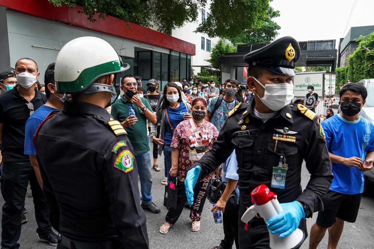 Dich Covid-19 bung tro lai, pho xa Thai Lan toi den giua tet Songkran-Hinh-10