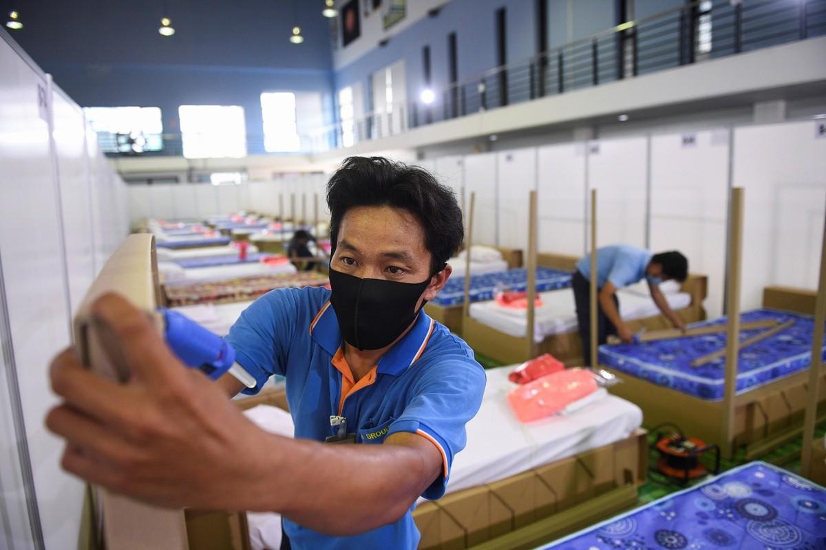 Dich Covid-19 bung tro lai, pho xa Thai Lan toi den giua tet Songkran-Hinh-8