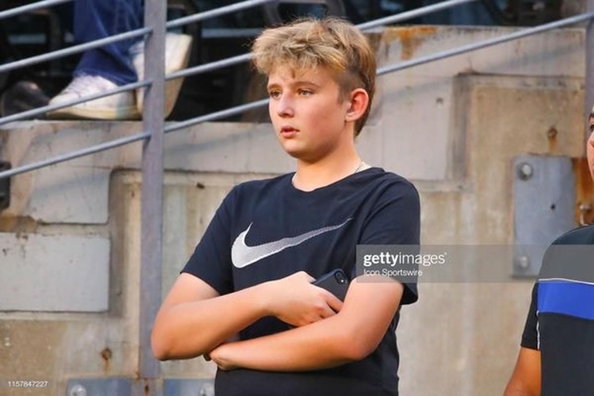 """Con trai ut nha ong Trump """"tai xuat"""", ngoai hinh dien trai gay sot-Hinh-8"""