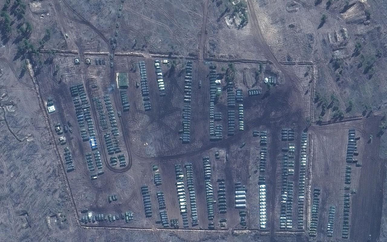 Anh ve tinh he lo quy mo luc luong Nga doc bien gioi Ukraine-Hinh-7