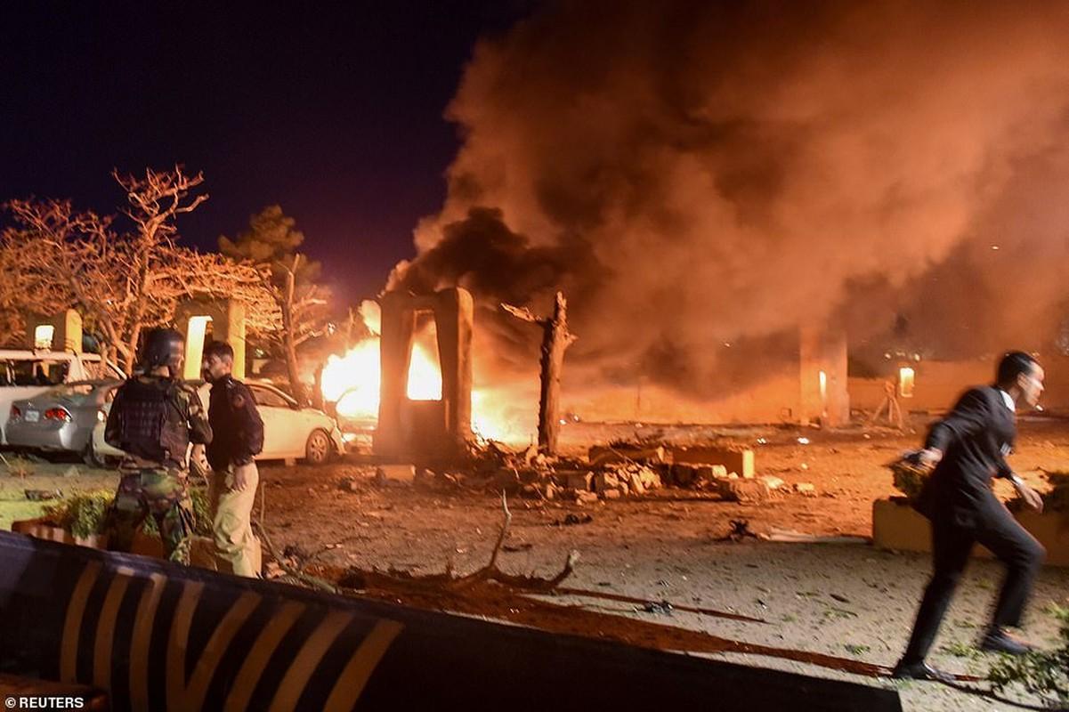 Toan canh vu danh bom khach san co Dai su Trung Quoc tai Pakistan-Hinh-5