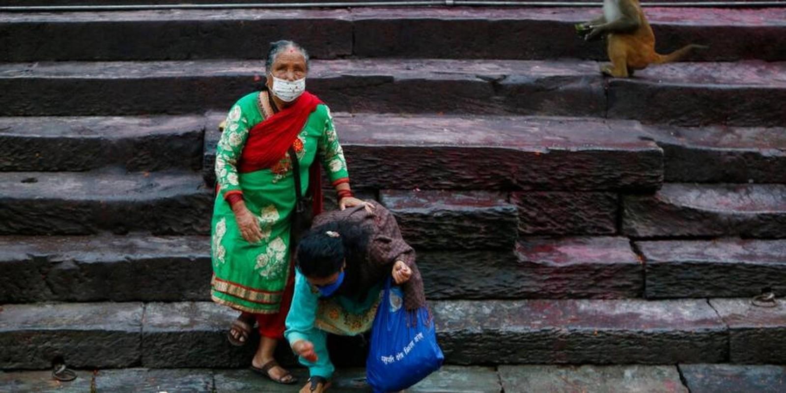"""Ben trong dat nuoc Nepal giua """"bao"""" COVID-19-Hinh-5"""