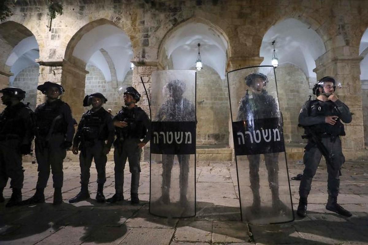 Toan canh vu dung do du doi giua canh sat Israel va nguoi Palestine-Hinh-5