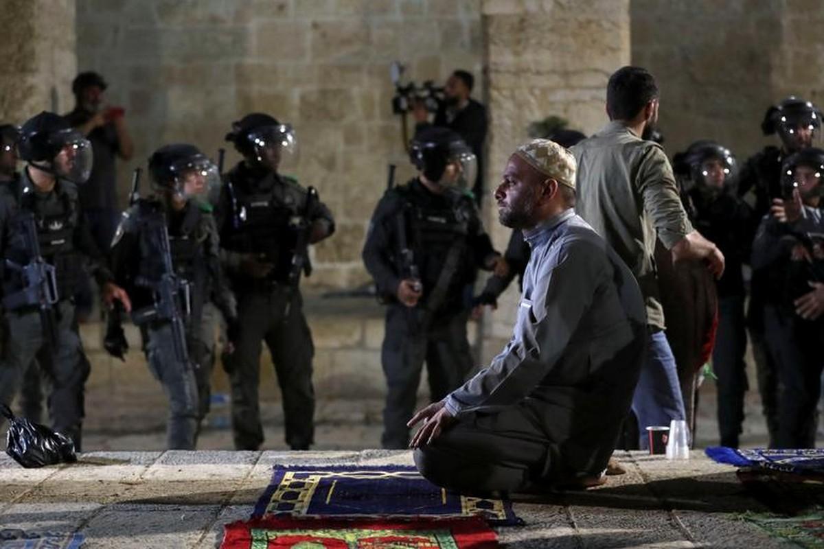 Toan canh vu dung do du doi giua canh sat Israel va nguoi Palestine-Hinh-6