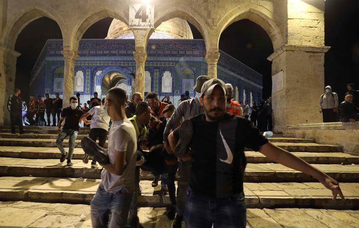 Toan canh vu dung do du doi giua canh sat Israel va nguoi Palestine-Hinh-7