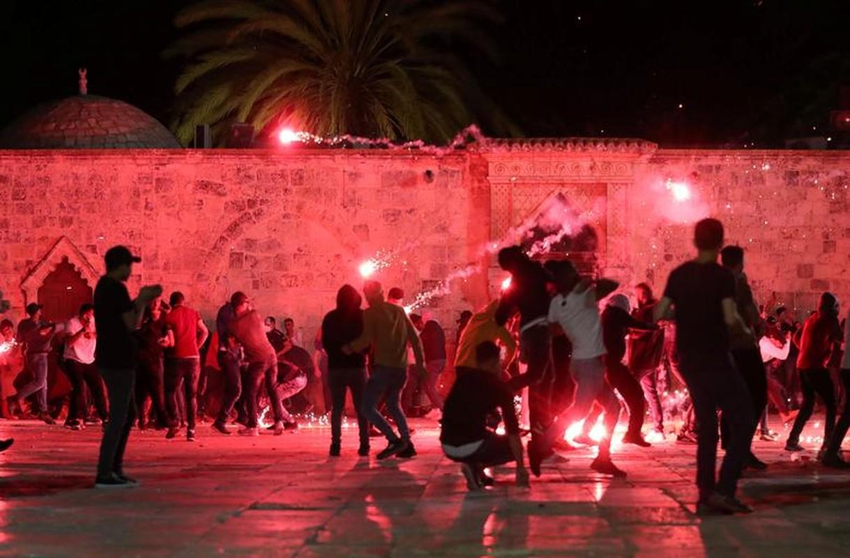 Toan canh vu dung do du doi giua canh sat Israel va nguoi Palestine