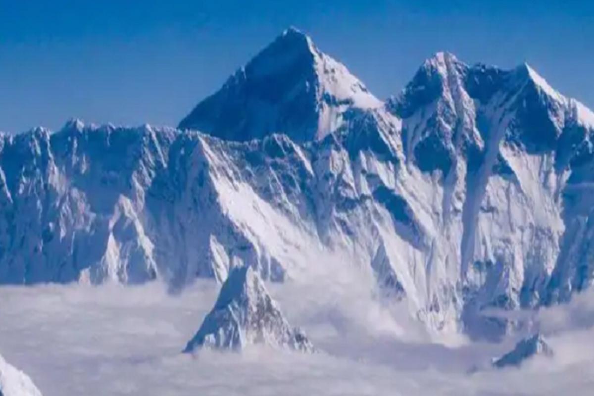 """Dich COVID-19 dang de doa """"noc nha the gioi"""" Everest the nao?-Hinh-5"""