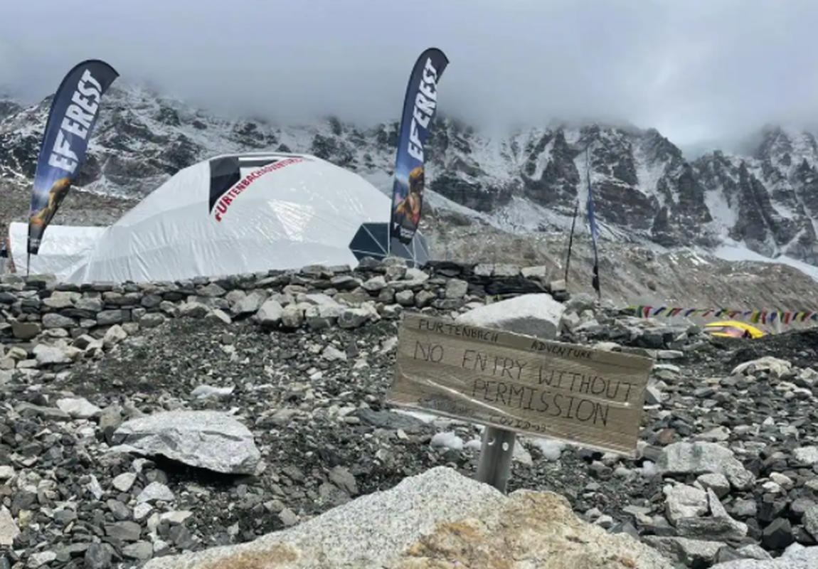 """Dich COVID-19 dang de doa """"noc nha the gioi"""" Everest the nao?-Hinh-6"""