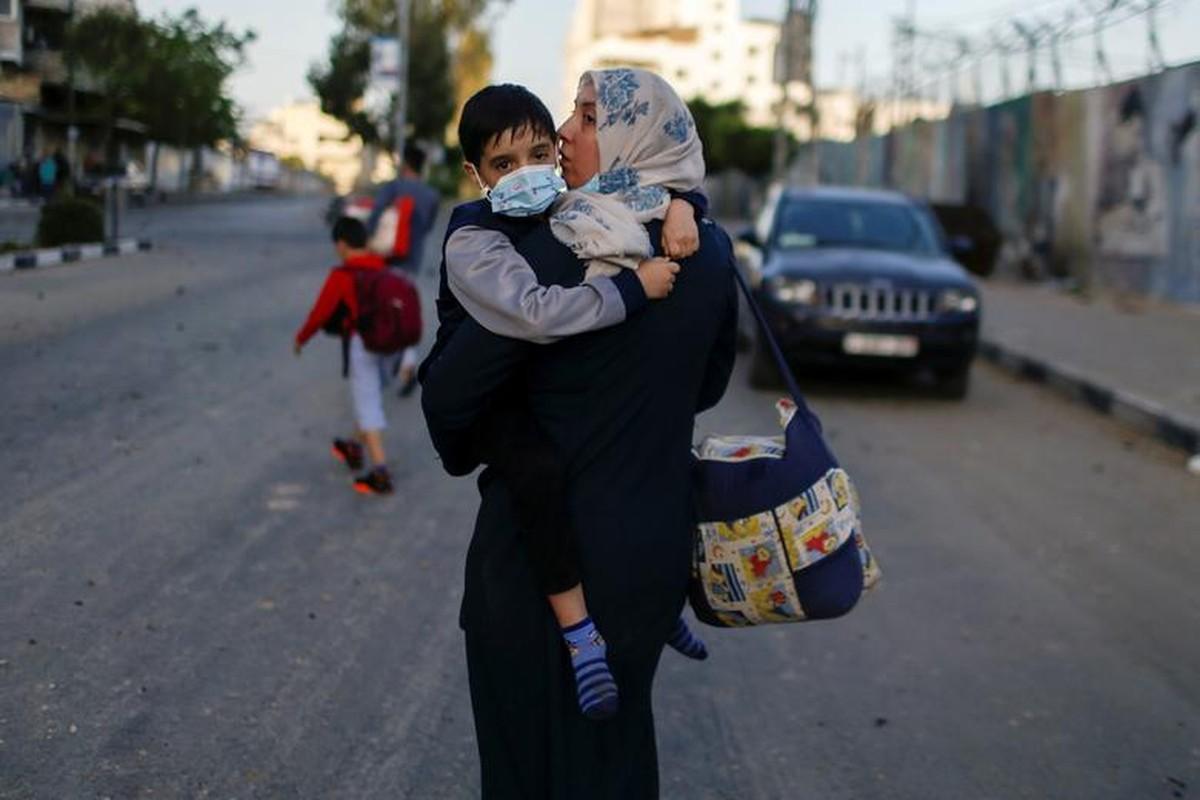 Canh nguoi dan Gaza lu luot so tan vi don khong kich cua Israel-Hinh-3