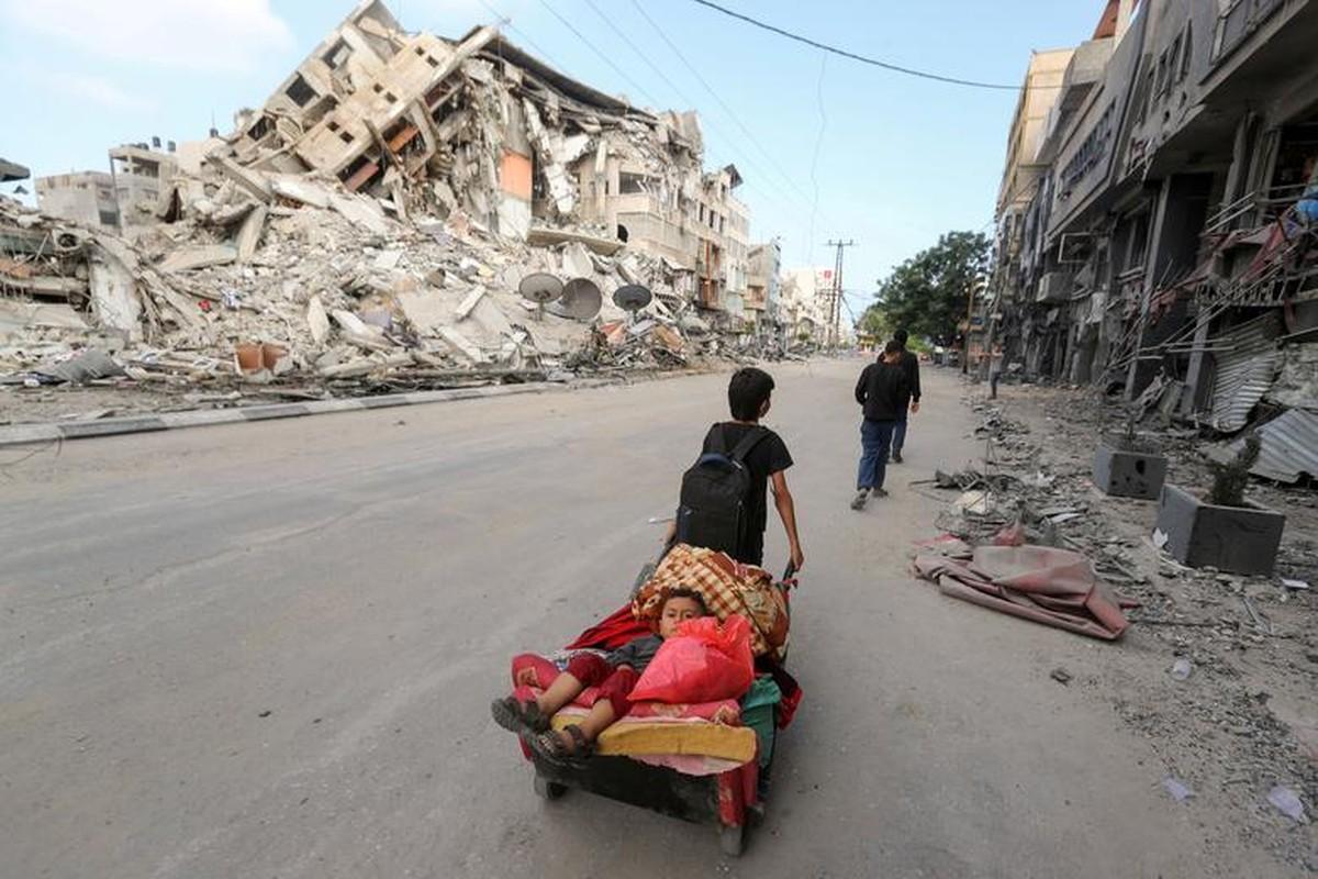 Canh nguoi dan Gaza lu luot so tan vi don khong kich cua Israel-Hinh-5