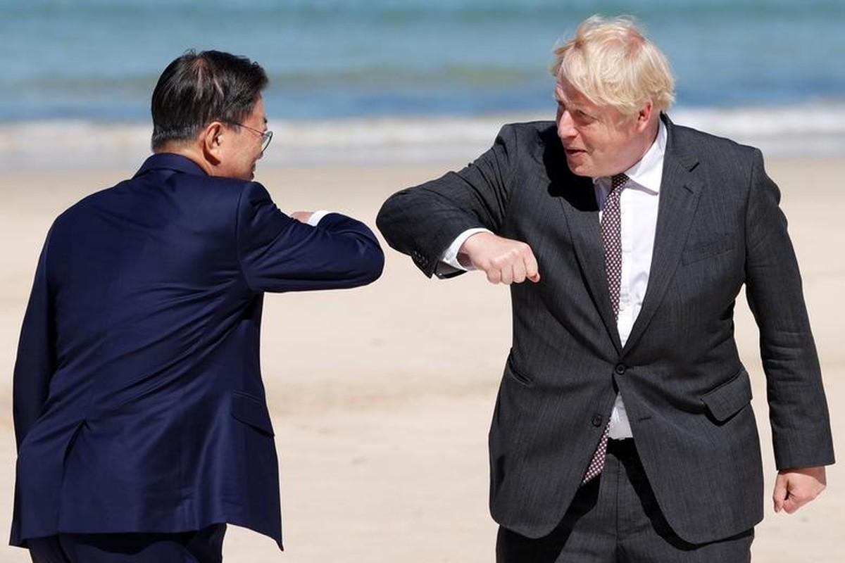 Khoanh khac an tuong cac nha lanh dao the gioi tai G7-Hinh-2