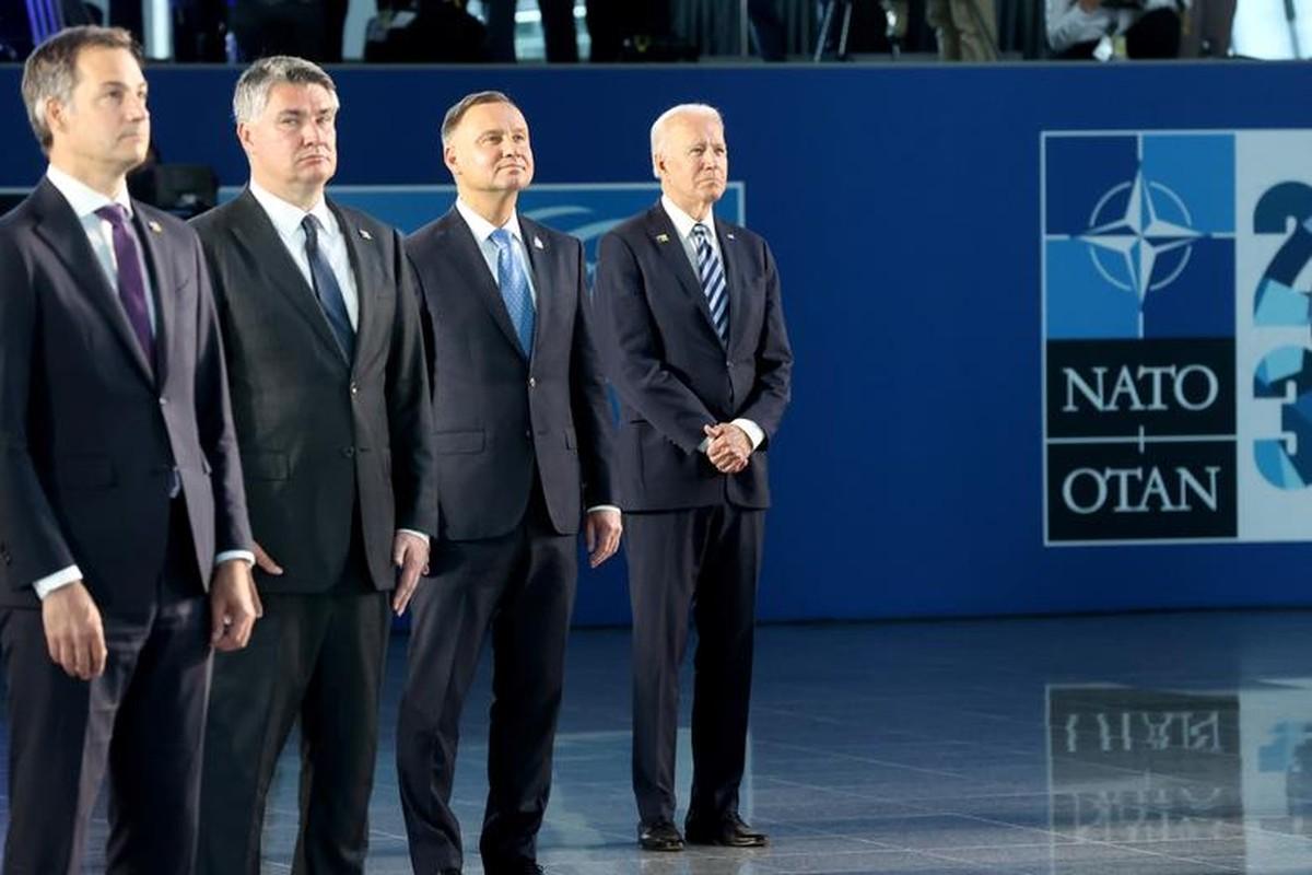 Toan canh Hoi nghi thuong dinh NATO tai Bi-Hinh-3