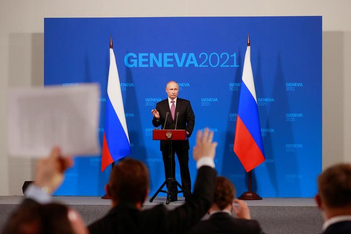 Gap ong Putin, Tong thong My Joe Biden tang mon qua bat ngo-Hinh-8