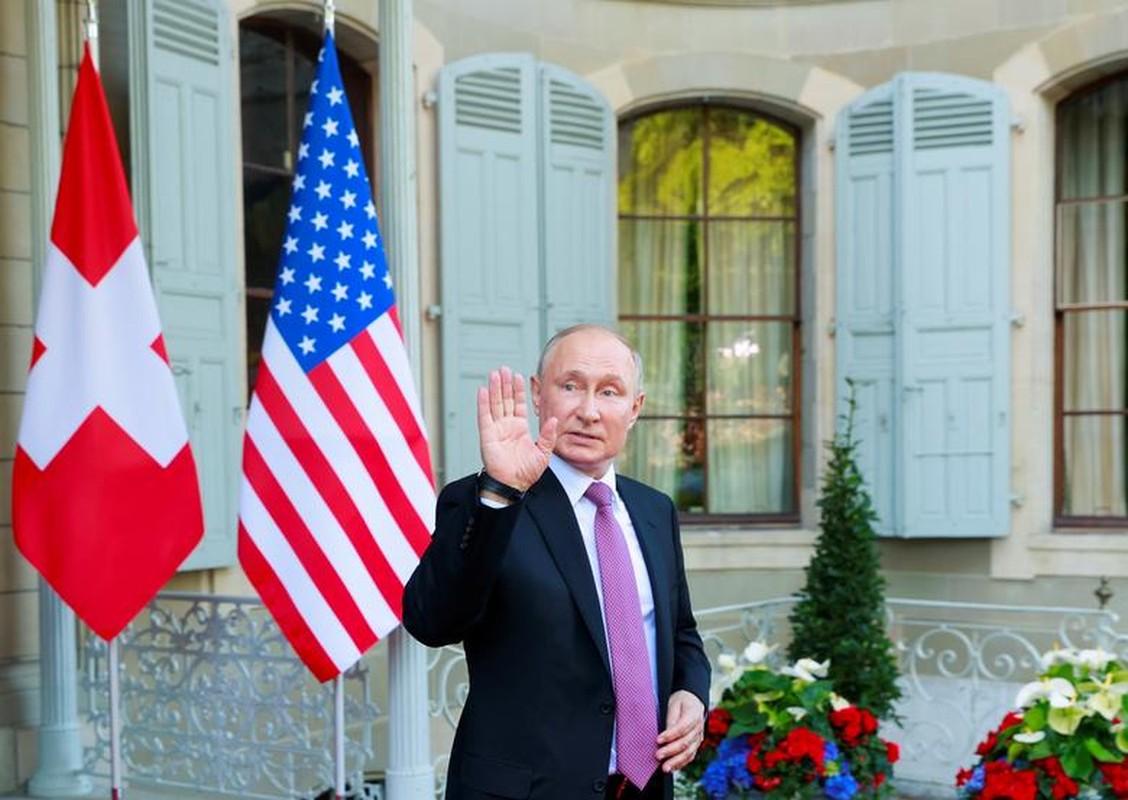 Gap ong Putin, Tong thong My Joe Biden tang mon qua bat ngo-Hinh-9