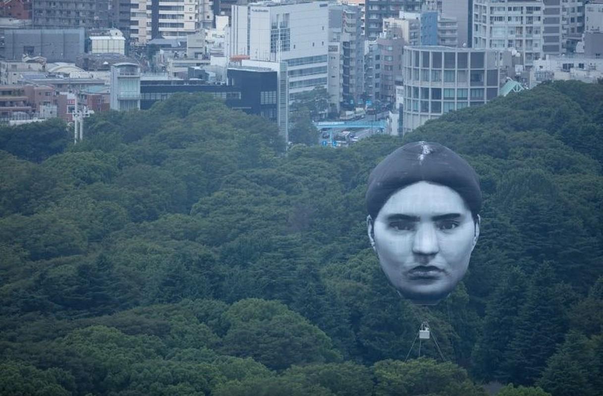 Khinh khi cau hinh dau nguoi khong lo bay tren bau troi Tokyo-Hinh-6