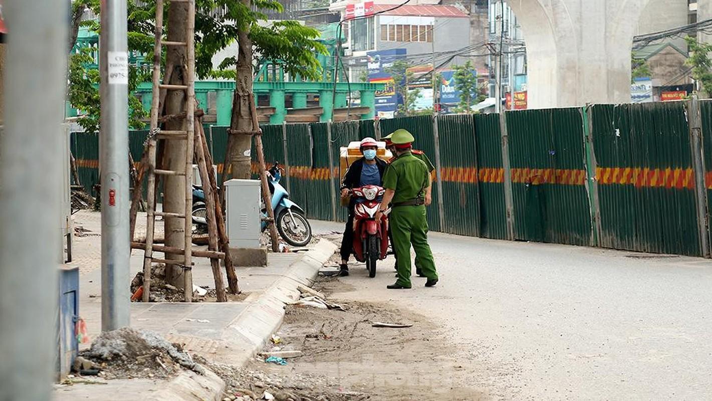Nhieu shipper cho hang khong thiet yeu bi phat tai Ha Noi-Hinh-3
