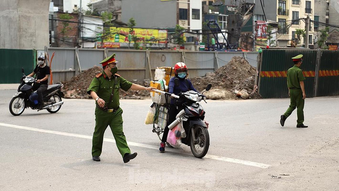 Nhieu shipper cho hang khong thiet yeu bi phat tai Ha Noi-Hinh-5
