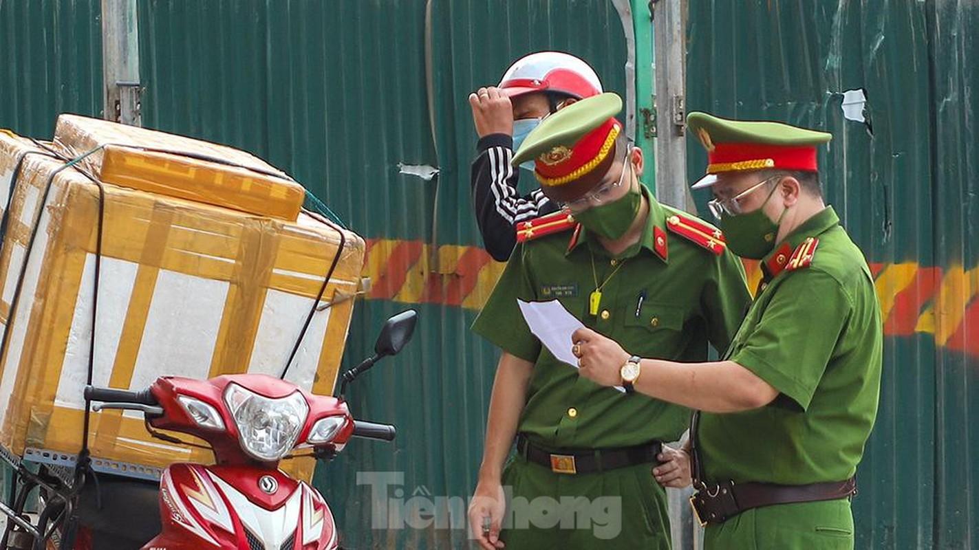 Nhieu shipper cho hang khong thiet yeu bi phat tai Ha Noi-Hinh-9