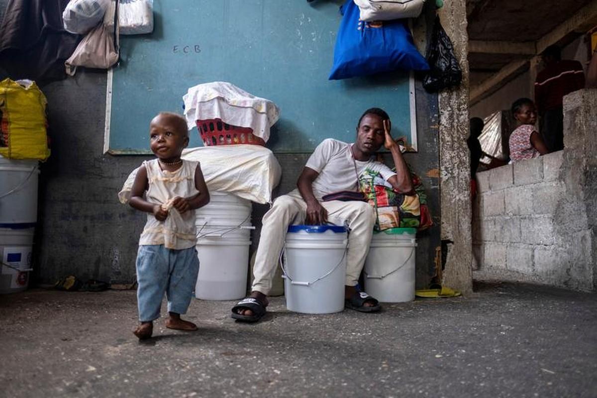 Cam canh cuoc song nguoi dan Haiti trong noi tru an tam bo-Hinh-9