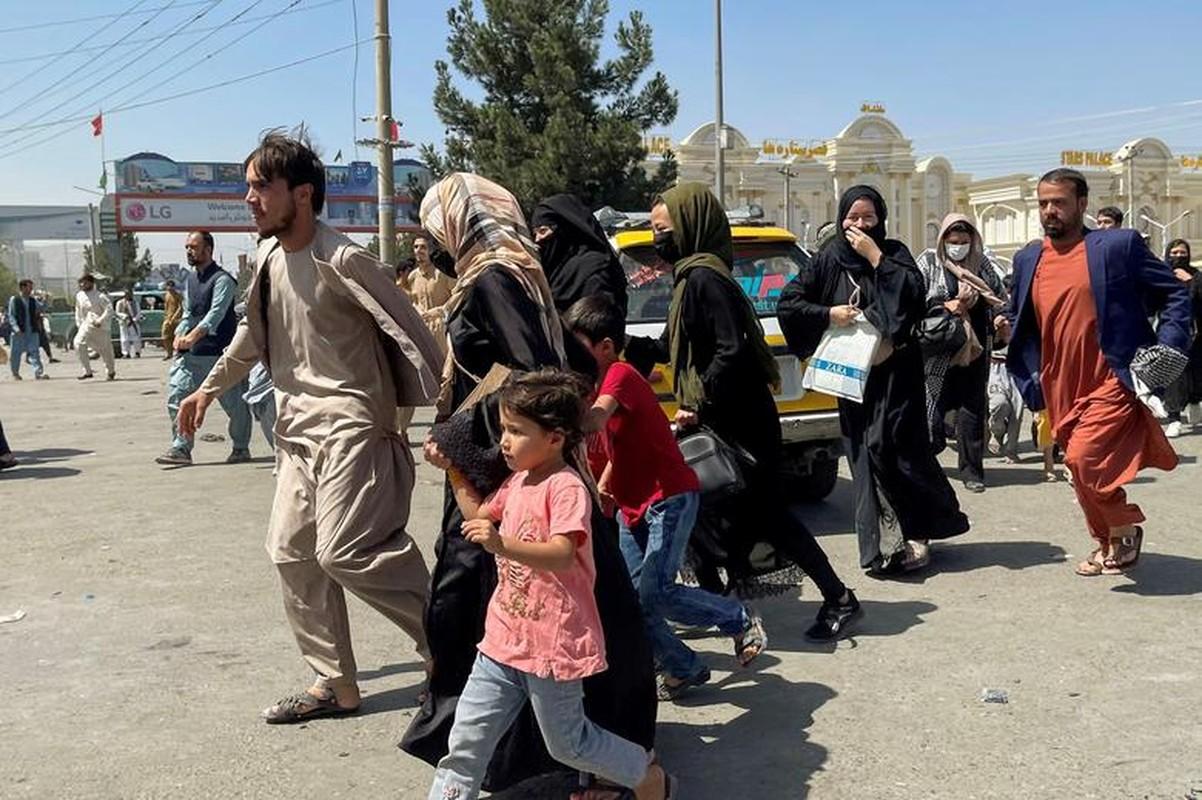 Canh hon loan tai san bay Kabul sau khi Taliban tran vao thu do-Hinh-10