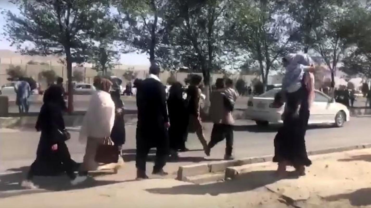 Canh hon loan tai san bay Kabul sau khi Taliban tran vao thu do-Hinh-12