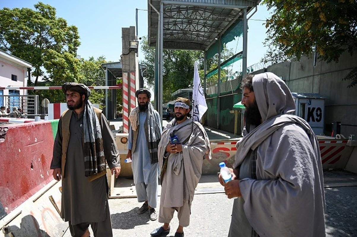 Can canh thu do Kabul sau khi Taliban chiem quyen kiem soat-Hinh-3