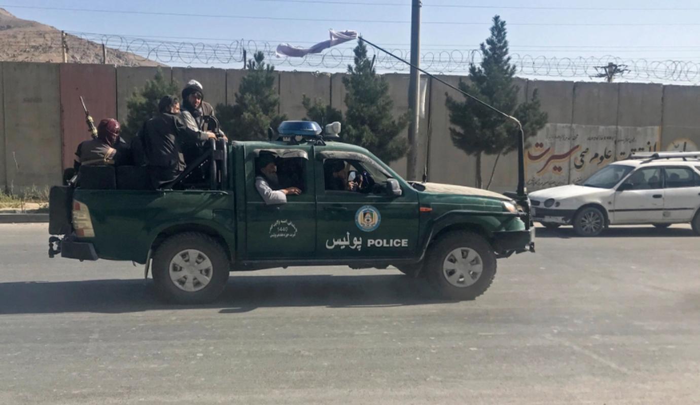 Can canh thu do Kabul sau khi Taliban chiem quyen kiem soat-Hinh-6