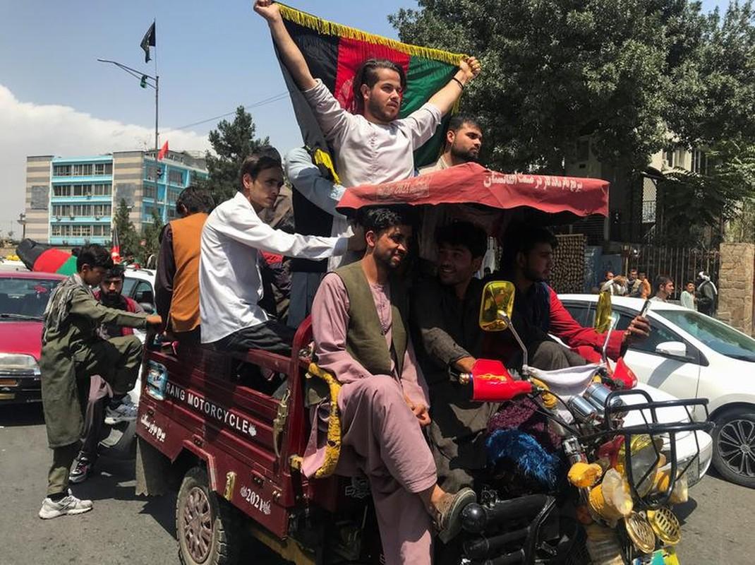 Toan canh bieu tinh phan doi luc luong Taliban tai Afghanistan-Hinh-2