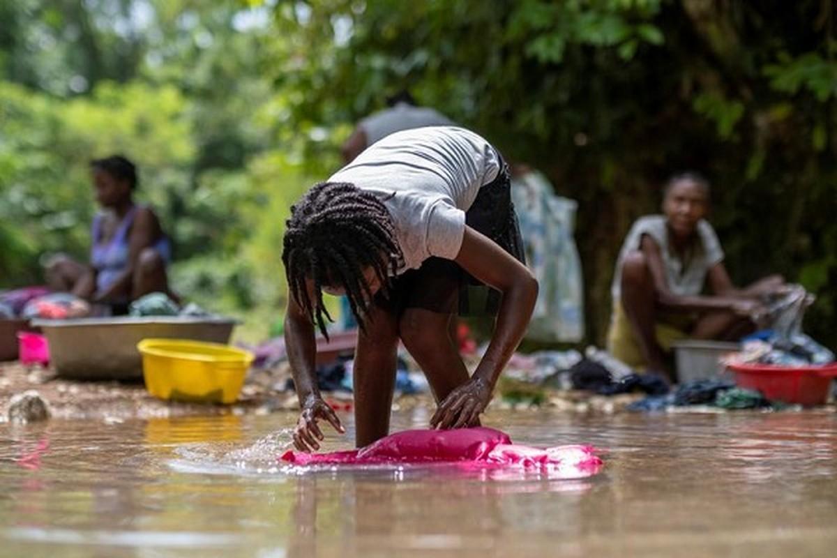 Cuoc song o Haiti sau tham hoa dong dat hon 2.200 nguoi chet-Hinh-6