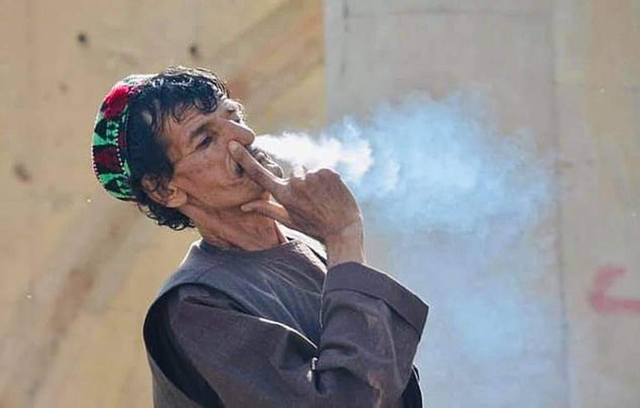 Toan canh vu Taliban hanh quyet dien vien hai Afghanistan-Hinh-2