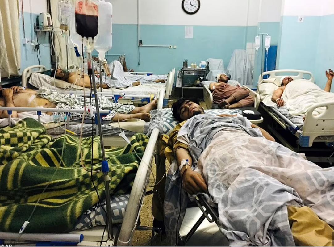 Toan canh vu danh bom kinh hoang o san bay Kabul, nhieu nguoi chet-Hinh-3