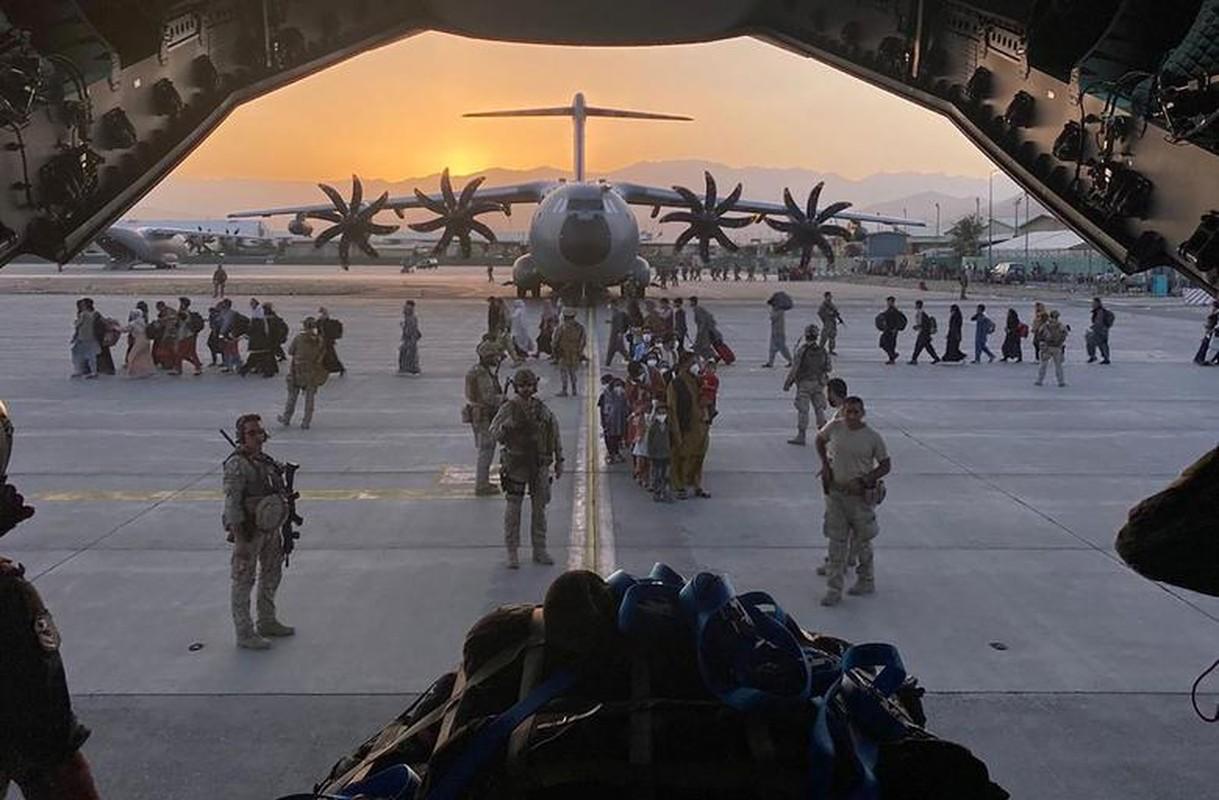 Can canh nhung chuyen bay so tan cuoi cung roi Kabul-Hinh-4
