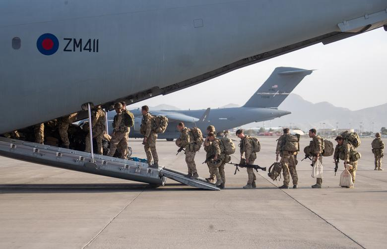 Can canh nhung chuyen bay so tan cuoi cung roi Kabul-Hinh-8