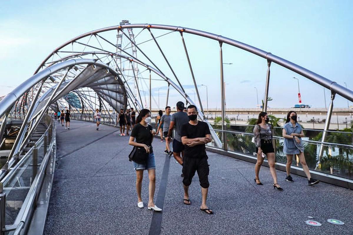 80% dan so duoc tiem chung, Singapore se tro lai cuoc song binh thuong?-Hinh-4