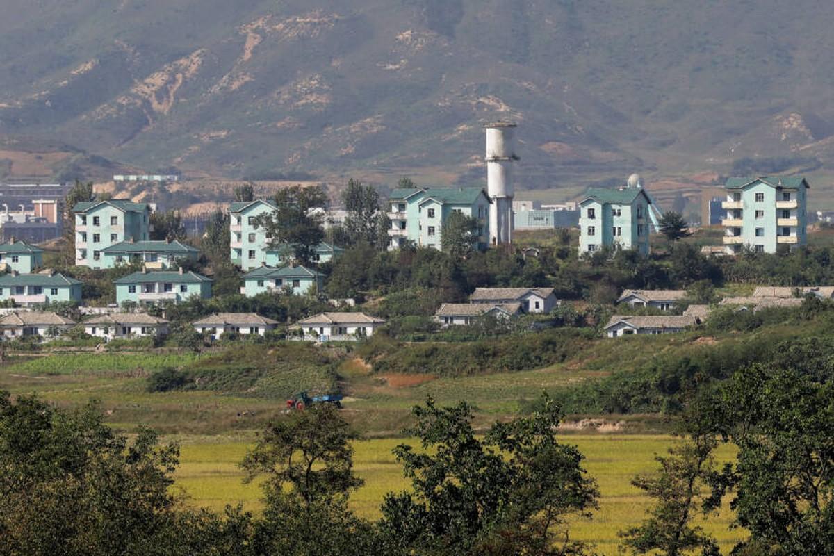"""Cuoc song """"hai sac mau"""" o """"ranh gioi"""" DMZ tren ban dao Trieu Tien-Hinh-9"""