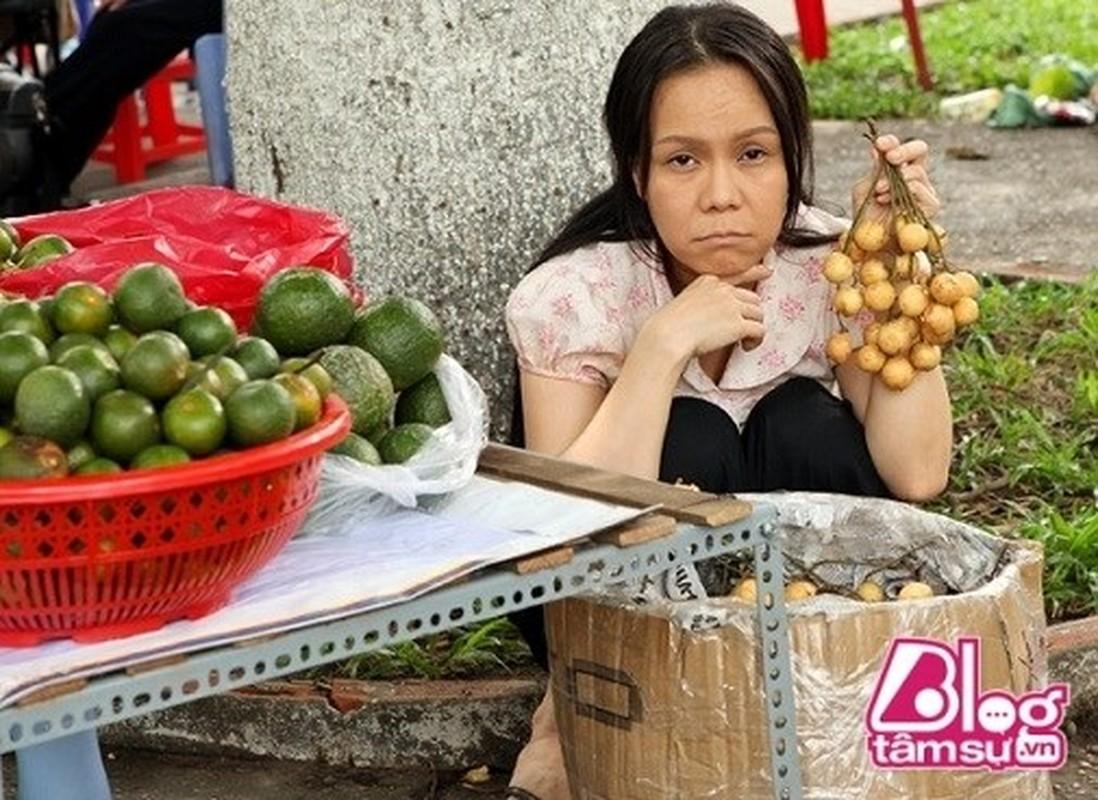 Choang voi guong mat moc khong trang diem cua Viet Huong-Hinh-4