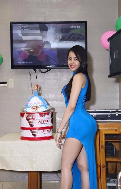My nu co vong 3 khung hon Ngoc Trinh, bang gia thue nguoi yeu-Hinh-7