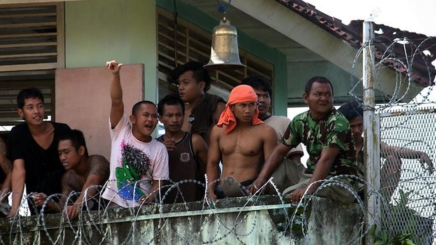 Am anh cuoc song trong nha tu nguy hiem tren dao Bali-Hinh-5