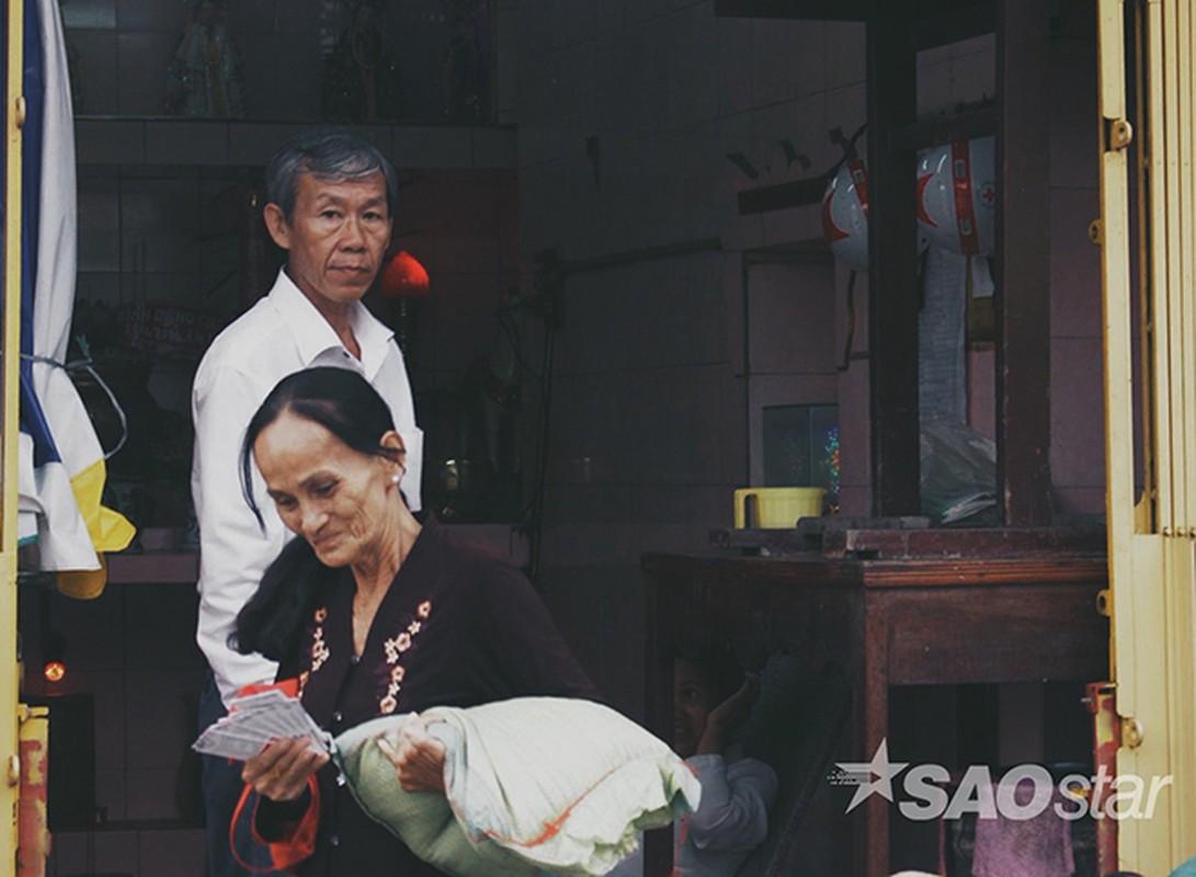Chuyen tinh vo Viet va ong Tay ngheo o chan cau Hau Giang-Hinh-12