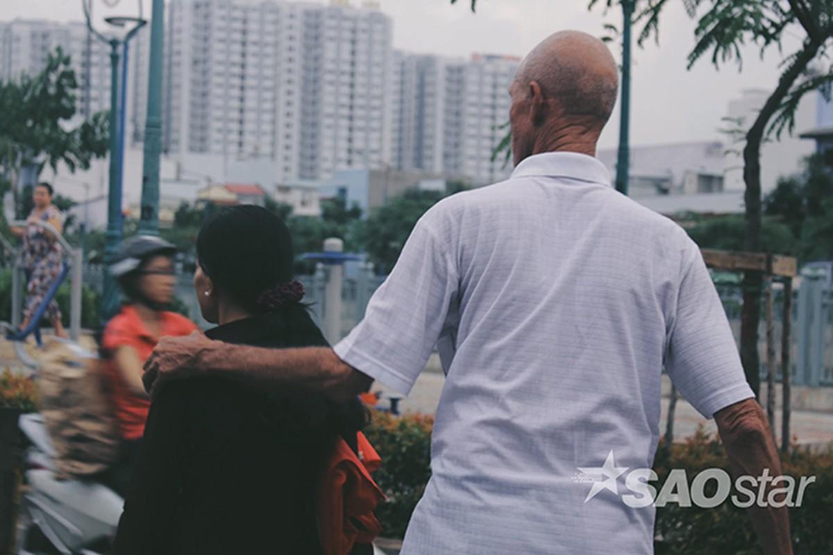 Chuyen tinh vo Viet va ong Tay ngheo o chan cau Hau Giang-Hinh-14