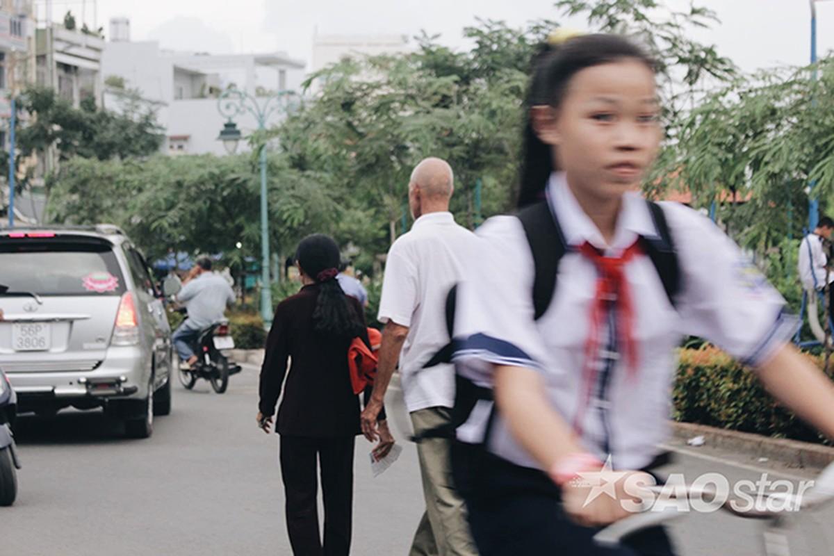 Chuyen tinh vo Viet va ong Tay ngheo o chan cau Hau Giang-Hinh-4