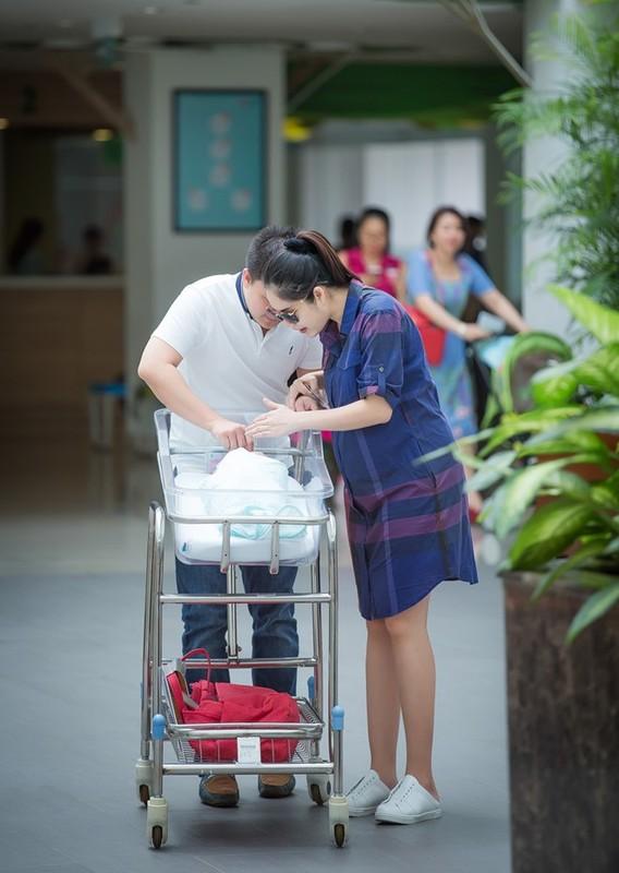 Ngo ngang nhan sac sau sinh cua Duong Cam Lynh-Hinh-2