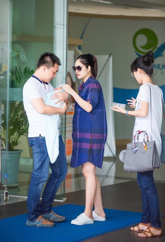 Ngo ngang nhan sac sau sinh cua Duong Cam Lynh-Hinh-3