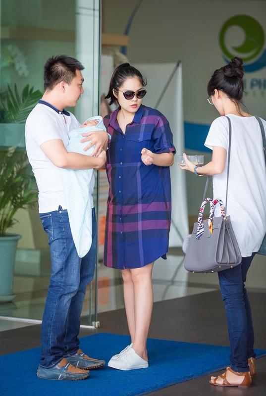 Ngo ngang nhan sac sau sinh cua Duong Cam Lynh-Hinh-4