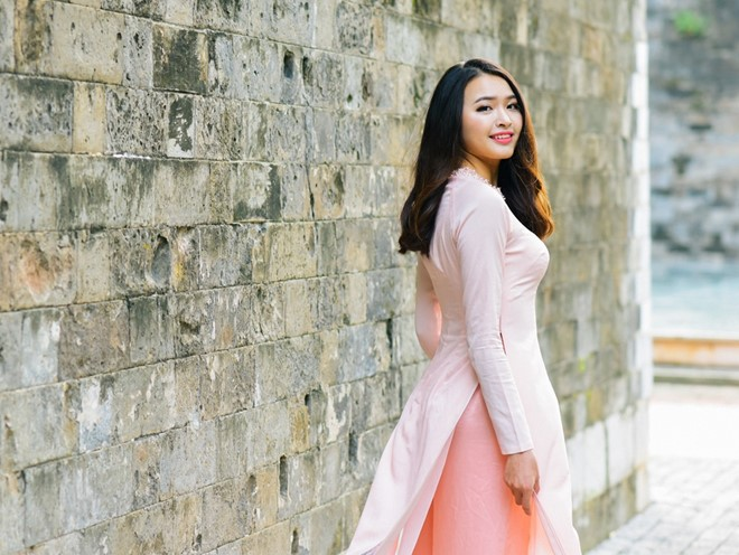 15 nu sinh Dai hoc Luat Ha Noi khoe nhan sac noi bat
