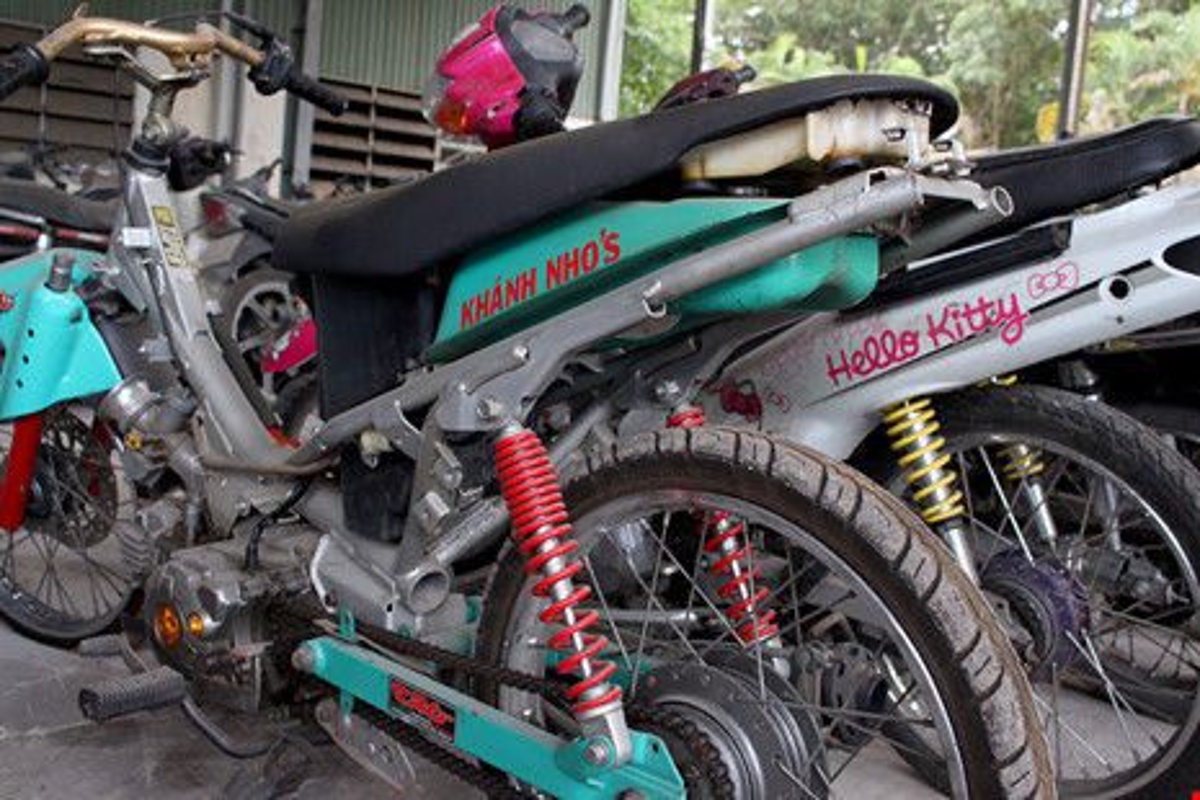 "Hoang hon voi hinh thu ""quai di"" phuong tien dua xe trai phep-Hinh-16"