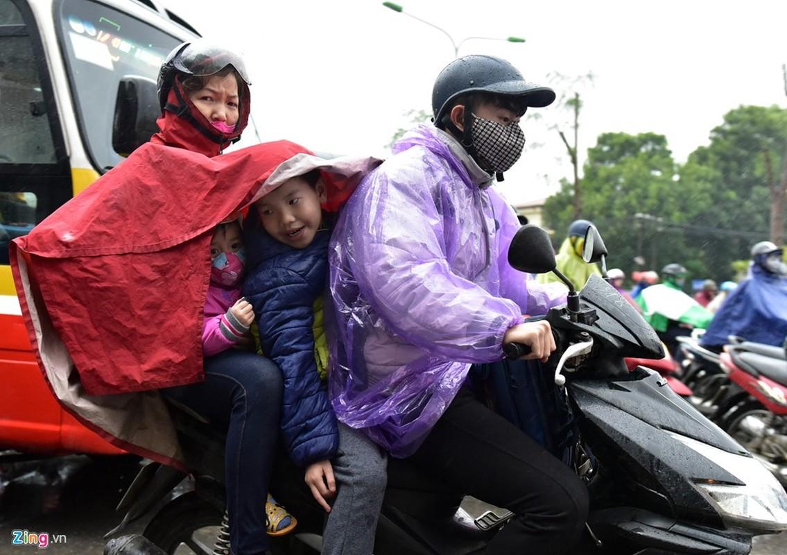 Canh khon kho trong mua ret tren duong pho Ha Noi-Hinh-3