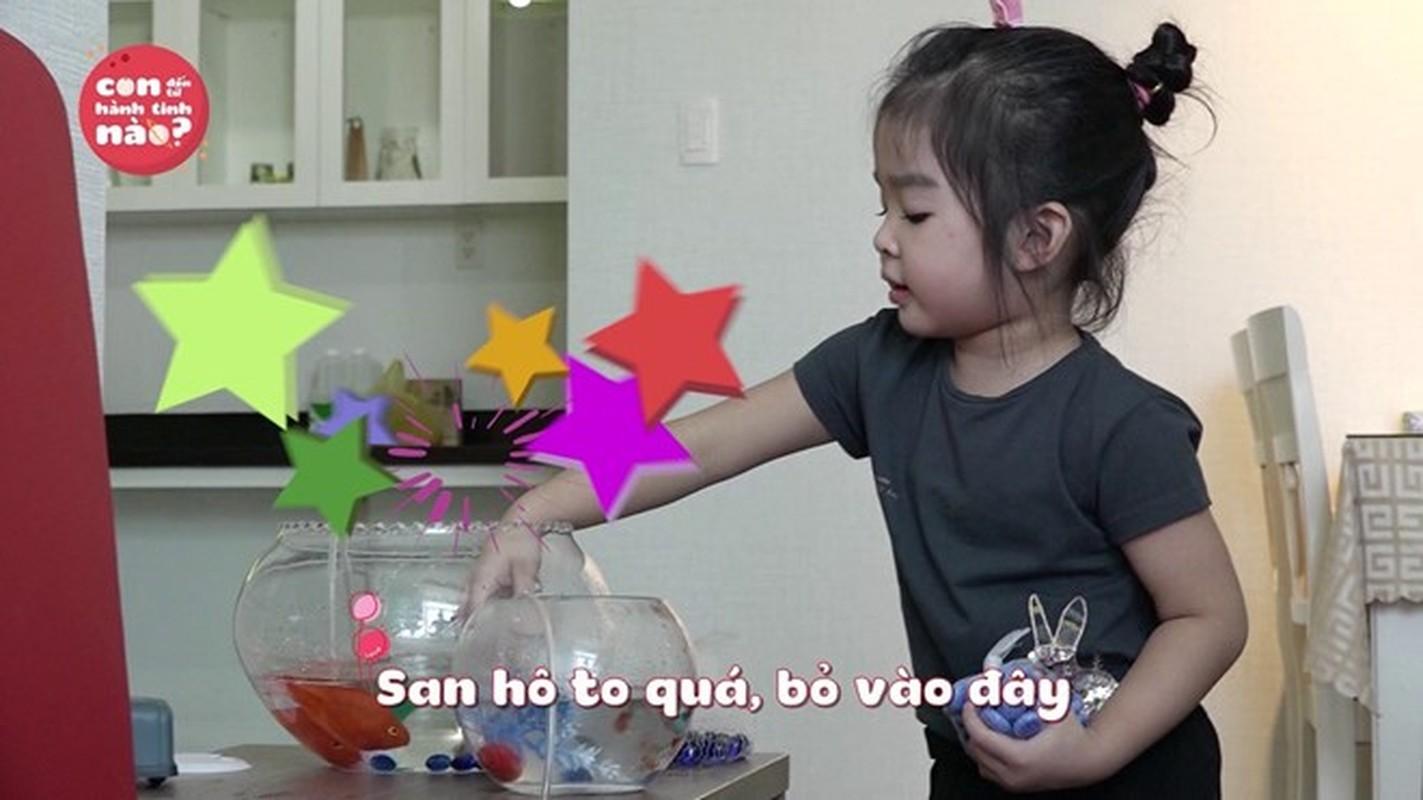 Dang Khoi vat va dua 2 con trai di cho thay vo-Hinh-6